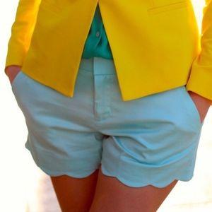 🌼 Club Monaco turquoise scalloped shorts